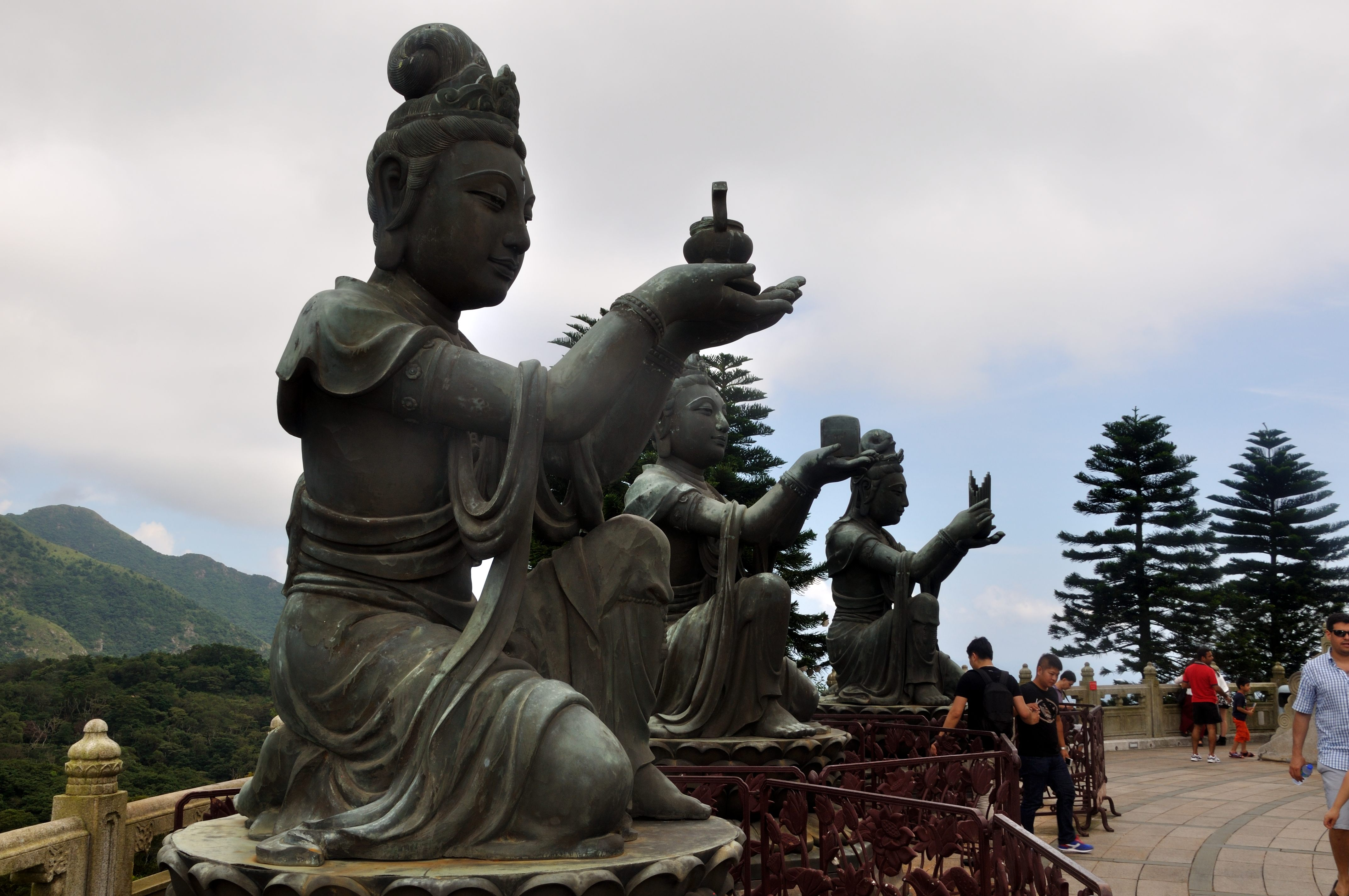 Offerings to the Big Budda `