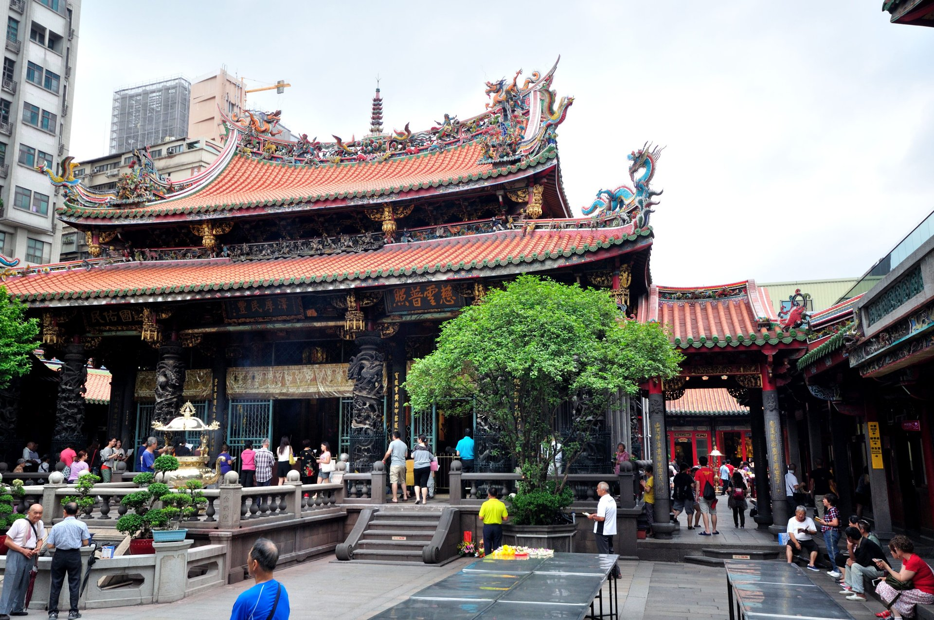 Lungshan Temple 5